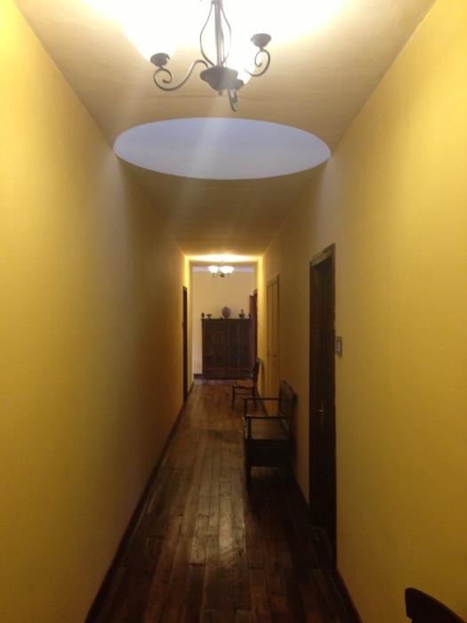 hall 625 small