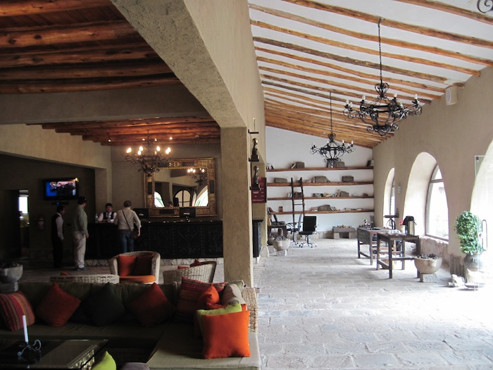 lounge IMG_3844 small