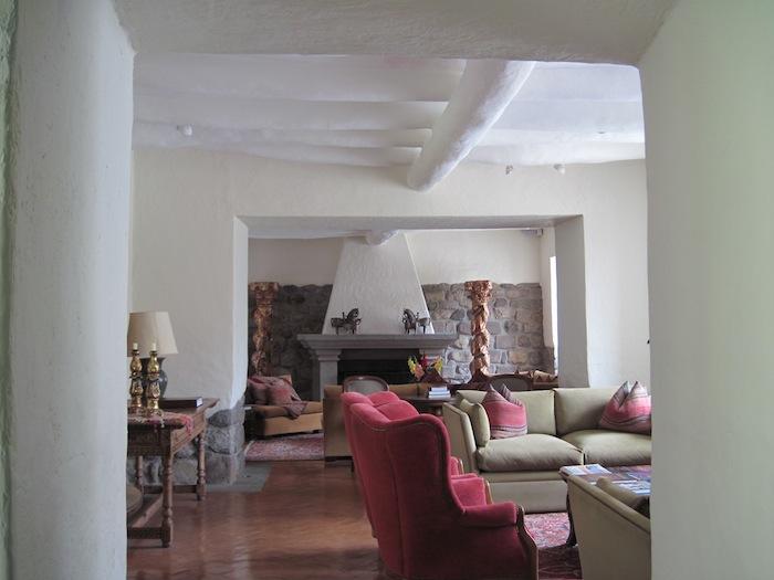 lounge IMG_4098 small